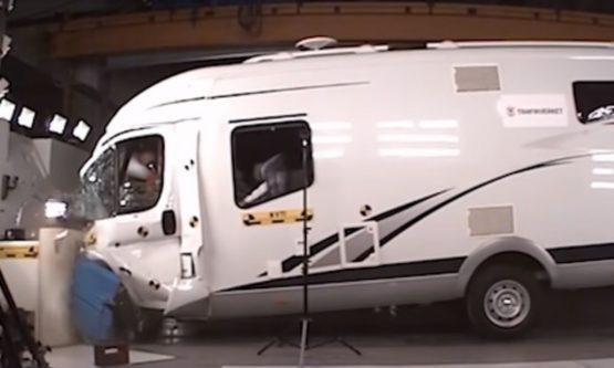 crash-camping-car-1