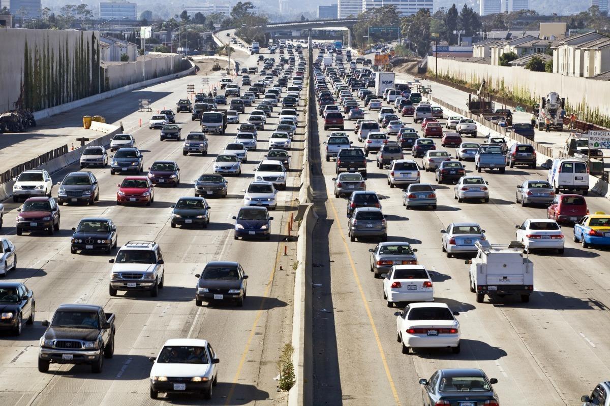 Na putevima Los Anđelesa do 2050. godine biće samo električni automobili
