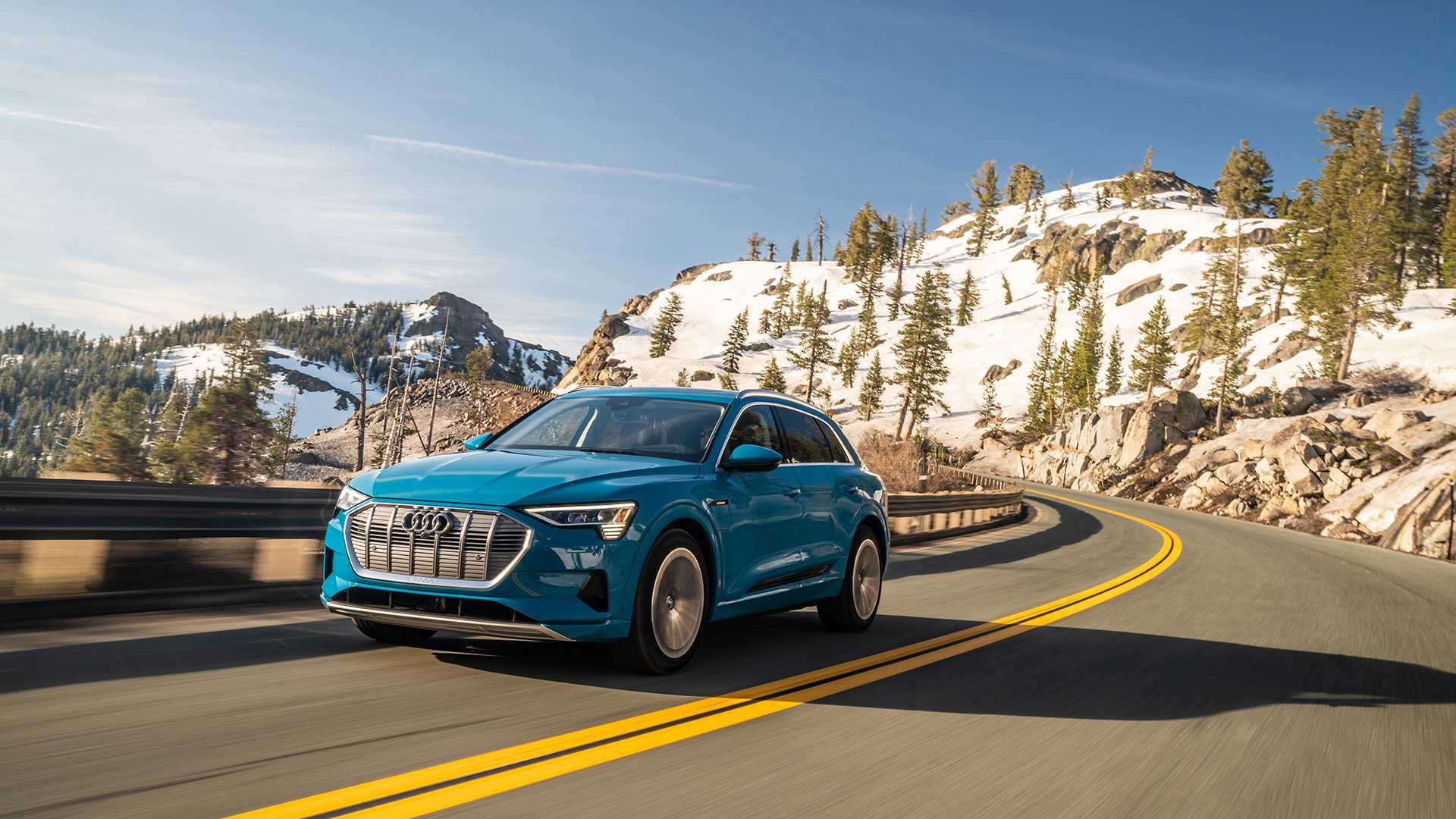 Audi povlači e-tron zbog potencijalnog curenja vode koje može da prouzrokuje požar