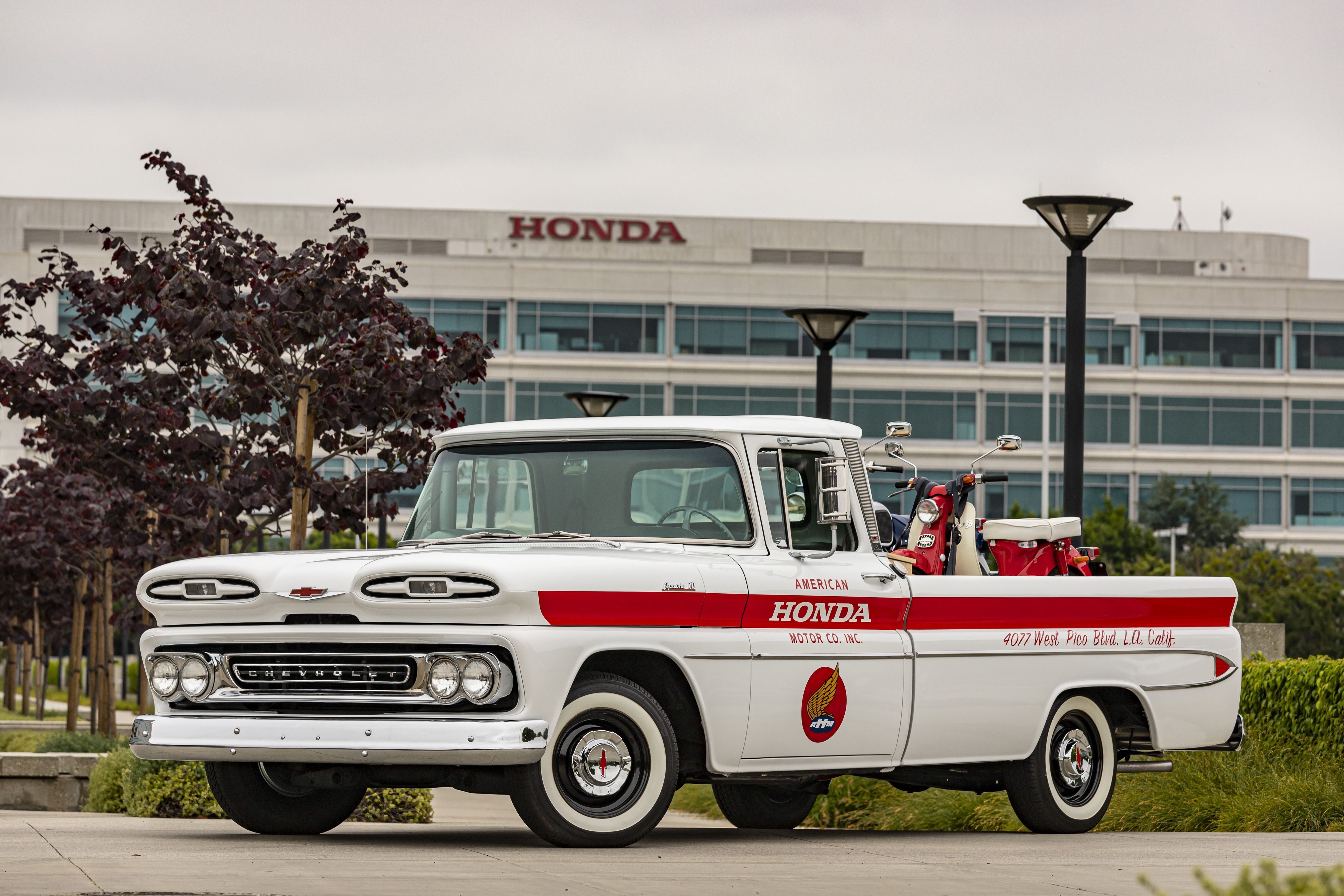 Zanimljivost dana: Honda restaurirala klasični Chevroletov pikap
