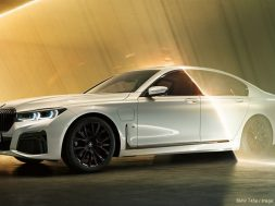 BMW-745e-800x500_c