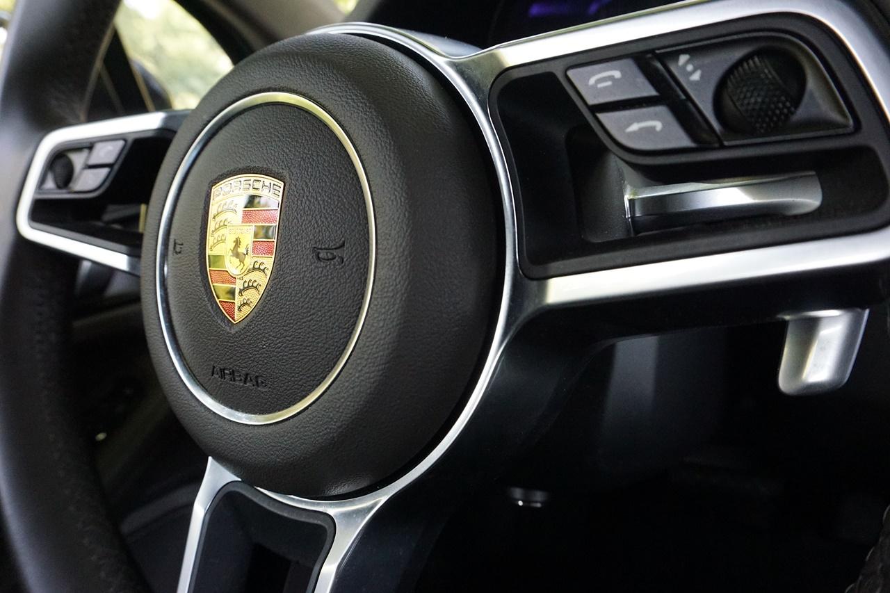 Porsche povlači 340.000 vozila