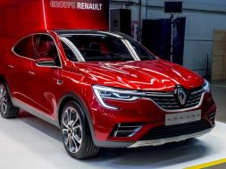 Groupe-Renault-Arkana-crossover-800x500_c