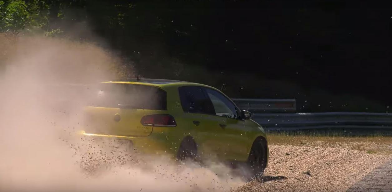 Volkswagen Golf R vs Megane RS na Nirburgringu (VIDEO)