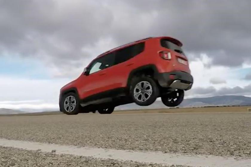 Jeep Renegade – podizanje zadnjih točkova prilikom snažnog kočenja (VIDEO)