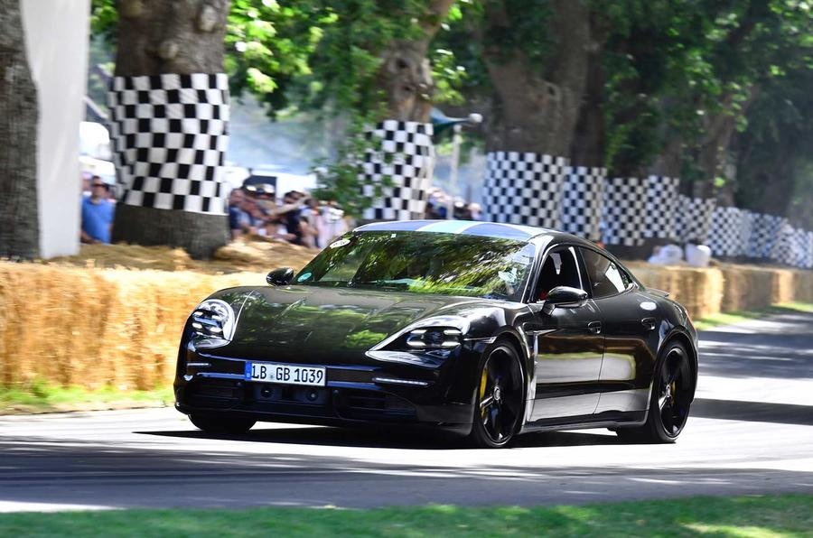 Porsche Taycan generisao preko 30.000 pretporudžbina