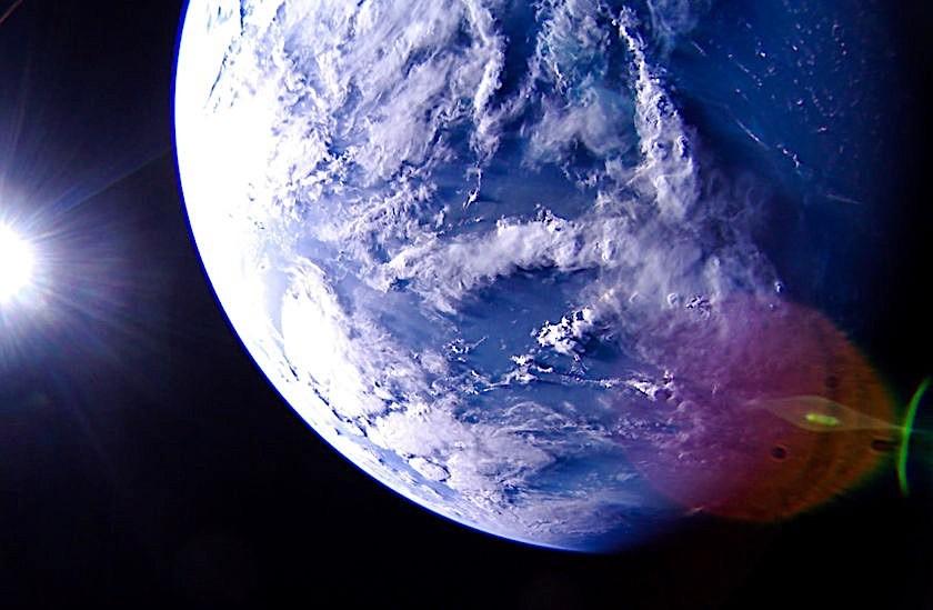 Fantastične fotografije Zemlje napravljene iz letelice na solarni pogon