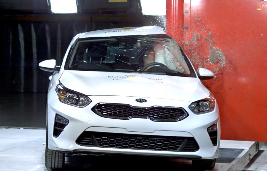 Nova Kia Ceed kritično nebezbedna pri bočnom udaru (VIDEO)