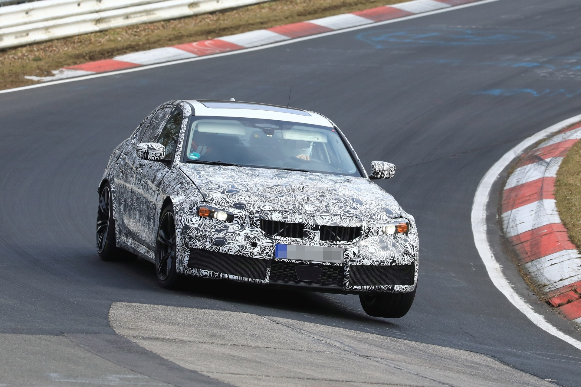 BMW M3 na Nirburgringu (VIDEO)