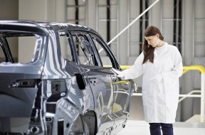 190822-SKODA-AUTO-launches-operation-of-new-paint-shop-2-1440×960