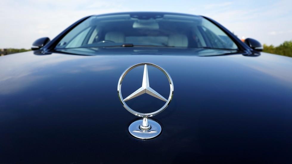Mercedes cinkario vlasnike vozila sudskim izvršiteljima