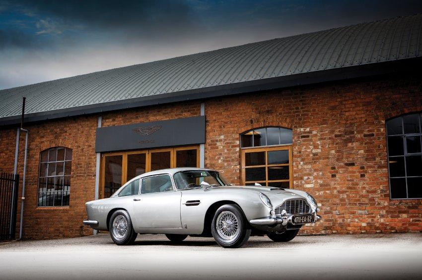 Omiljeni automobil Džejmsa Bonda prodat na aukciji