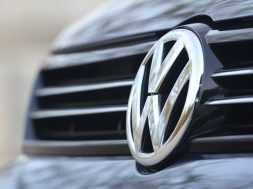volkswagen-beats-sales-records-in-march-125027_1