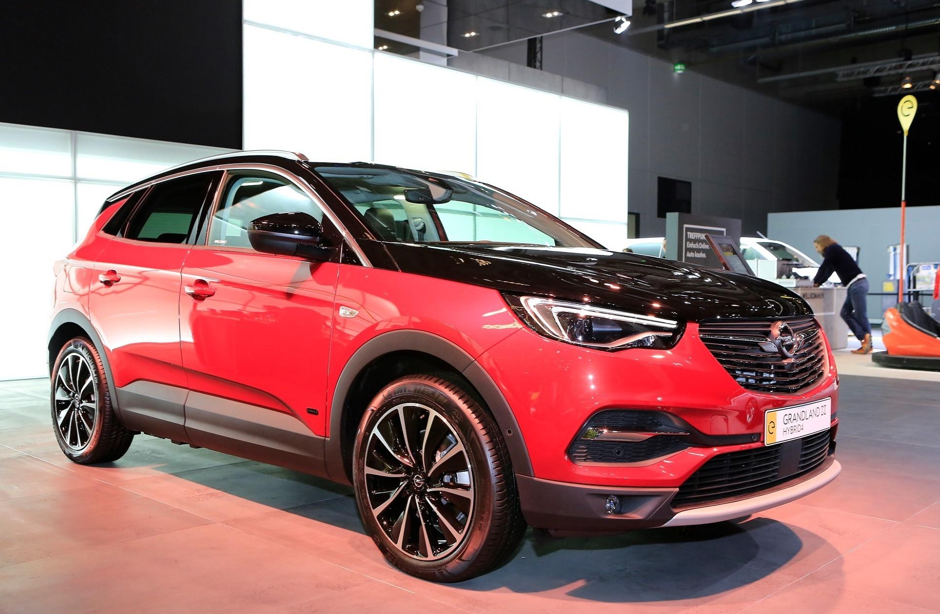 Opel Grandland X Hybrid4 – simbol Opelovog napretka
