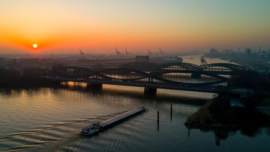 Luka Hamburg izgleda gradi najveće postrojenje za proizvodnju vodonika