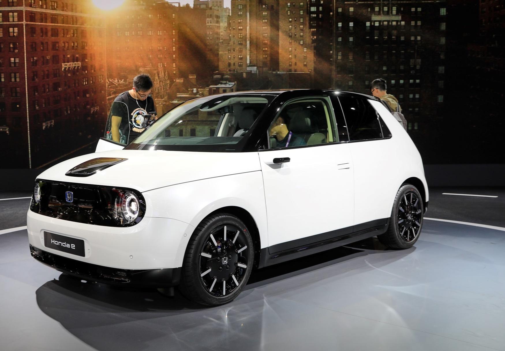 Honda e – atraktivni retro gradski prevoz u japanskom izdanju