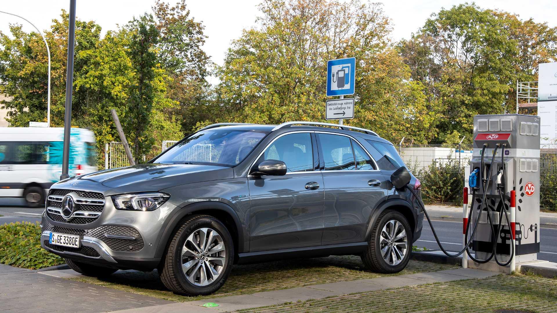 Hibridni duo predstavljen – Mercedes-Benz GLC i GLE