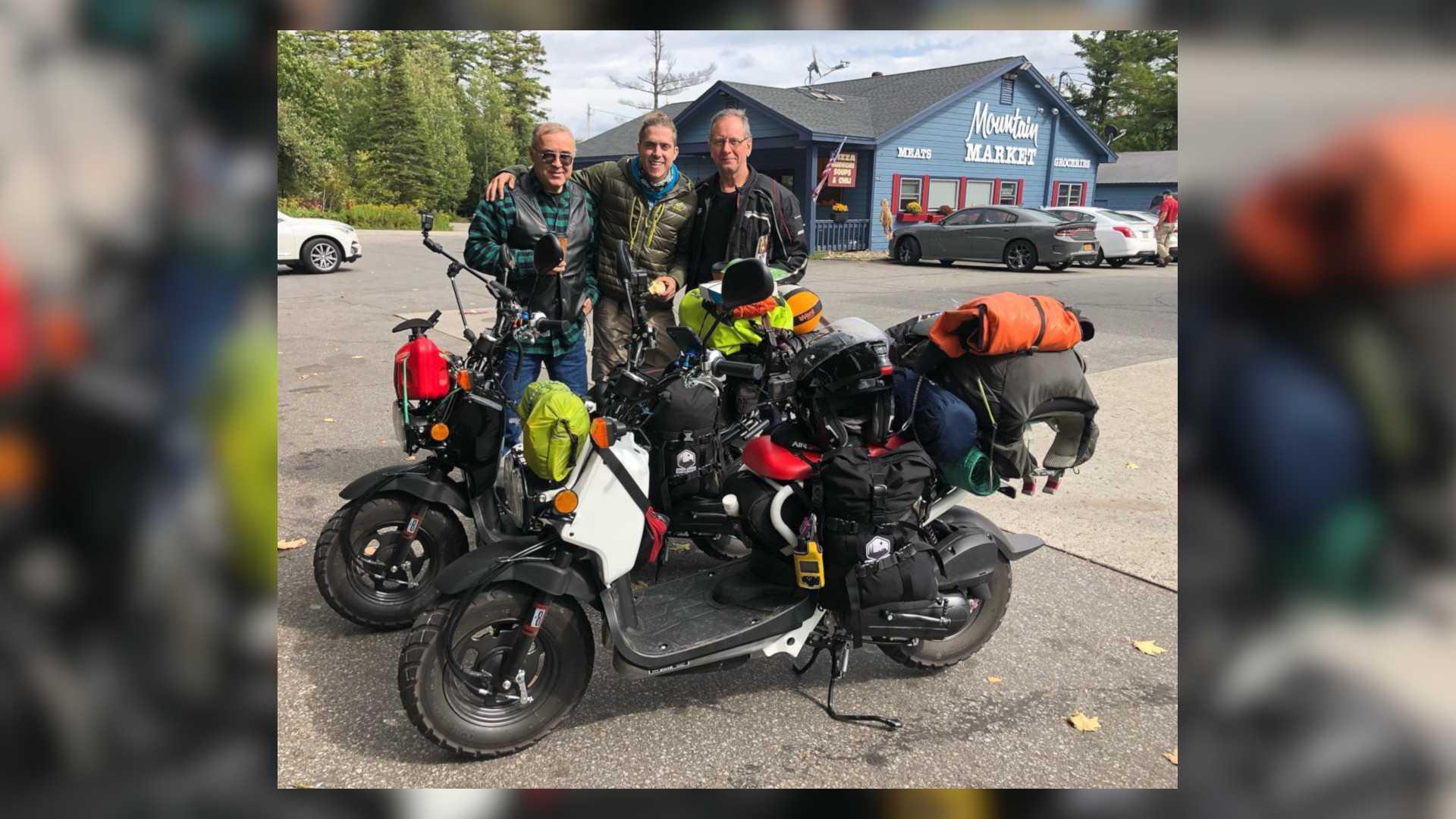 Dva čoveka na skuterima krenuli na put od 9.000 milja