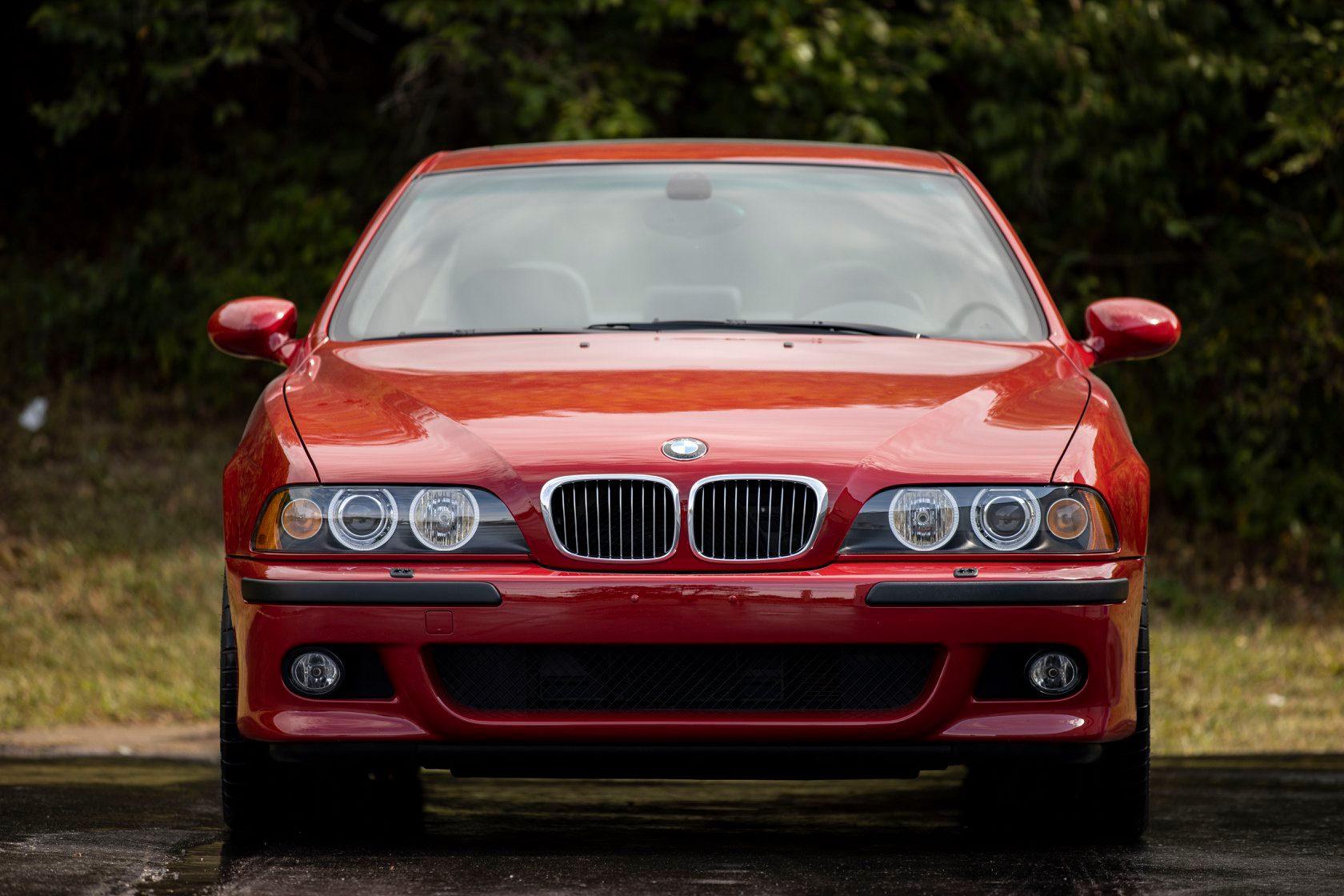 Prodaje se redak primerak BMW M5 E39, cena 150.000 dolara (VIDEO)