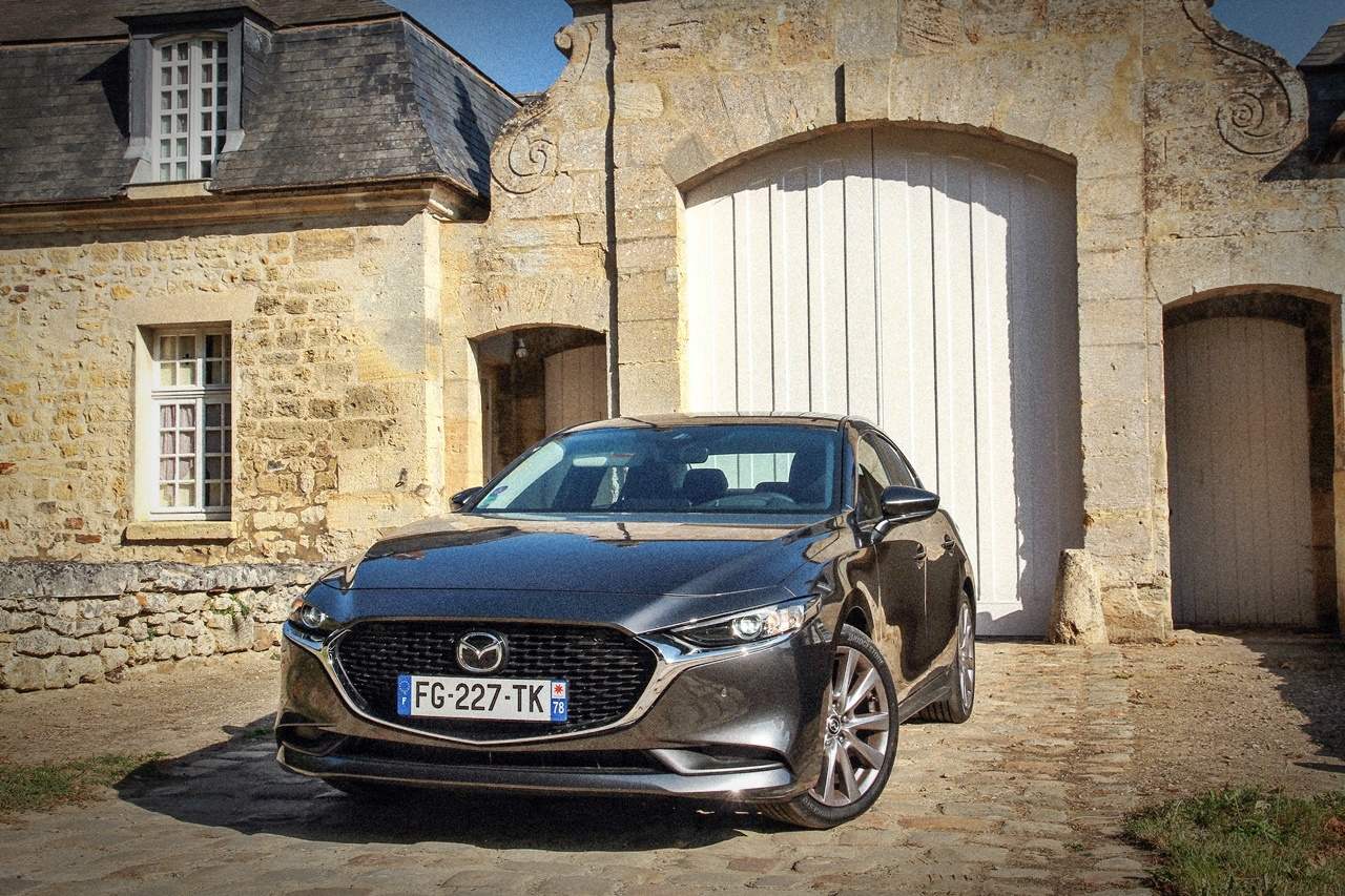 """Mazda3 Sedan – mala """"šestica"""""""
