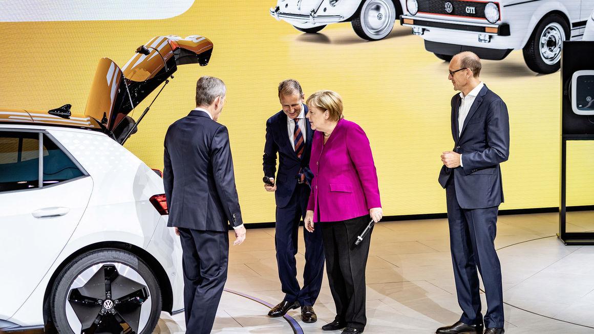 Nakon brojnih kritika Angela Merkel podržava VW-ovu tranziciju ka elektromobilima