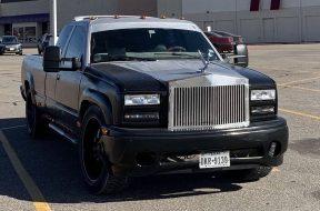 S8-un-pick-up-equipe-d-une-calandre-rolls-royce-611353