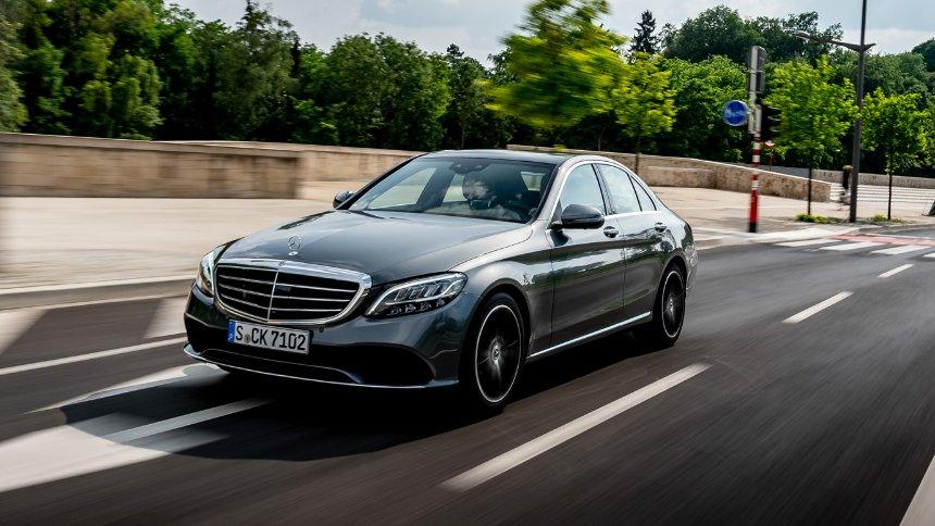 Mercedes (ponovo) povlači stotine hiljada vozila u dve kampanje