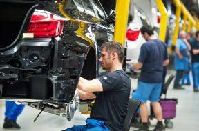 BMW Produktion im Werk Dingolfing