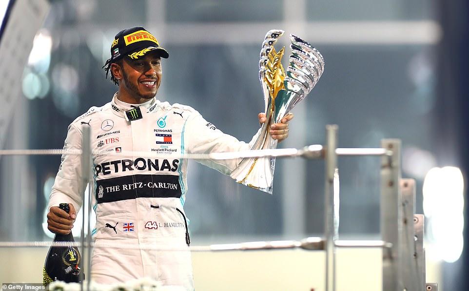 Hamilton šampionski za kraj sezone