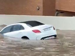 Mercedes-Benz-C-Class-flood